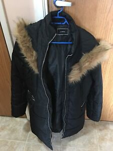Black coat from Le Chateau size xl