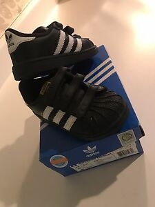 Boys 7T adidas sneakers