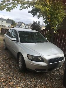 05 Volvo s40 for parts