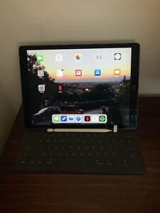 iPad Pro 12.9inch *Pencil and Keyboard Included*