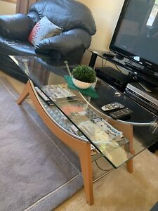 Solid glass coffee table NO TIME WASTERS