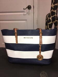 Authentic Michael Kors handbag (New)