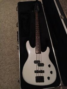 Peavey Foundation S bass EMGs with HSC