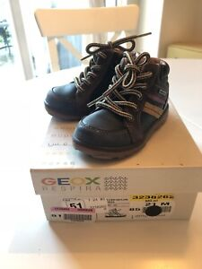 Geox Boys Shoes size 5 1/2