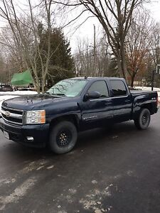 2007 Chevrolet Silverado 1500 LTZ low KM