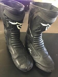 RJays Altitude II boots | used only couple times Gladesville Ryde Area Preview