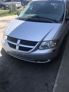 2005 Dodge Caravan SAFETY AND CERTIFIED only 160kms!!