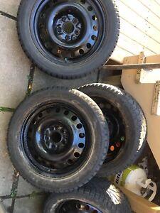 Rims 17 noirs avec pneus d'hiver hankook 225 50 17