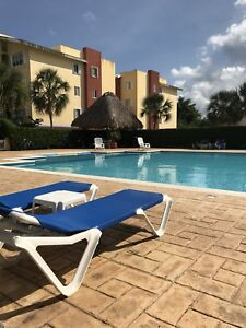 Cozumel 3 bedroom condo 1 block to the sea