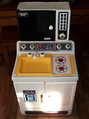 Little Tikes Play Kitchen Vintage Stove Microwave Refrigerator