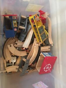 Toy train tracks and accessories