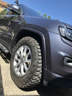 2016 JEEP GRAND CHEROKEE WK2 MUD TYRES AND WHEELS