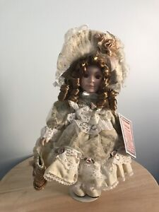 Antique Vanessa Ricardi Doll with Certificate