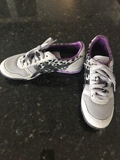 Onitsuka tiger shoes, new. EU 36