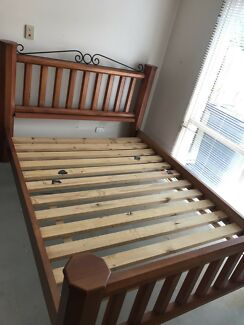 Quality timber queen bed suite + dresser