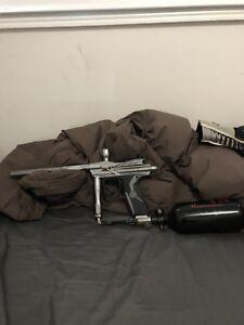 Spyder Electra paintball gun bundle
