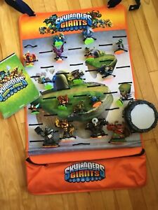 Skylander Giants Pieces & Display