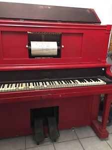 Lexington Player Piano with 90 music rolls
