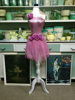 MANNEQUIN WITH WOODEN STAND  Stoneville Mundaring Area Preview
