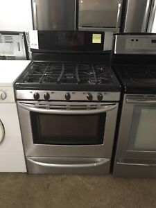 1 year old Kenmore Elite gas stove