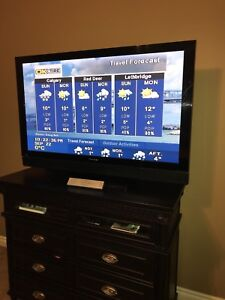 "50"" Pioneer plasma tv with remote"