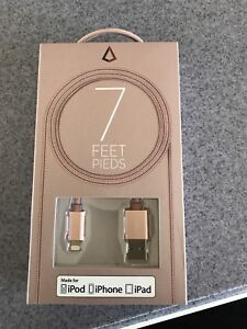 7 feet cord that fits Apple devices (iPod, iPhone, and iPad).