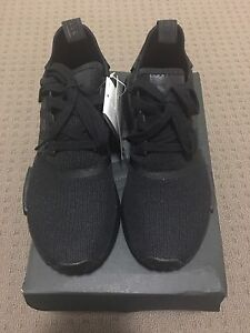 ADIDAS NMD TRIPLE BLACK US7.5!! Bentley Canning Area Preview