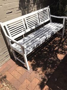 Gorgeous Hamptons weekend outdoor patio bench seat North Willoughby Willoughby Area Preview