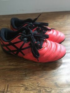 Soccer shoes size 12 youth