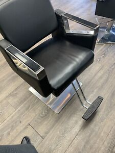 Hairstylist chair for ssle