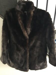 H&M FAUX FUR SHORT COAT