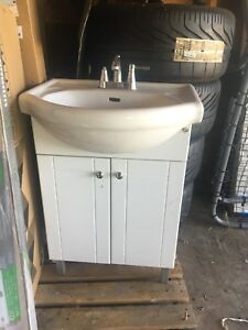 Sink, good condition