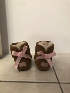 Baby / Toddler Ugg Shoes  Size 2/3