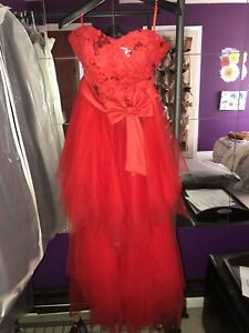 BEAUTIFUL RED PARTY GOWN