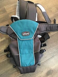 Very new never used chicco baby carrier