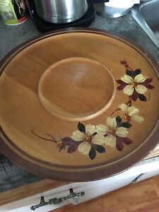 Wooden turn table