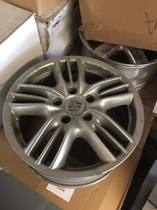 "Porsche Cayenne 18"" OEM wheels 67351 A7411612"