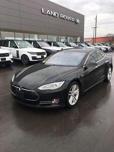 2015 Tesla Model S. Black loaded. Low km