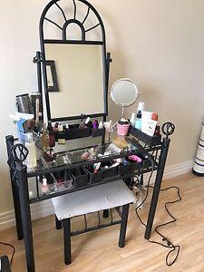 Vanity Set - Sold PPU