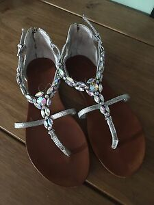Jessica Simpson jewelled sandals -- size 6