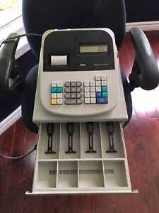 Royal 435dx Cash Register - Never Professionally Used