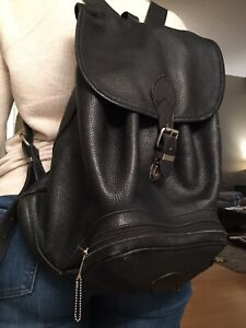ROOTS LEATHER BACKPACK - EUC