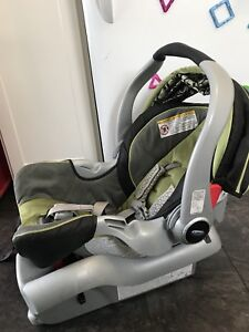 Graco Snugride 35 car seat with base