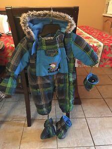 Size 12 months boy snowsuit
