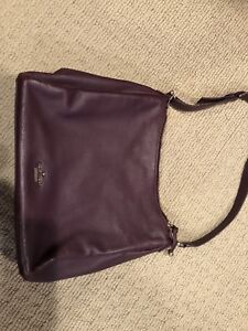 Kate Spade Purse BRAND NEW BARELY USED EXCELLENT CONDITION