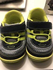 Stride rite - size 4 toddler shoes