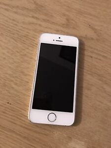 32g iPhone 5s locked to rogers