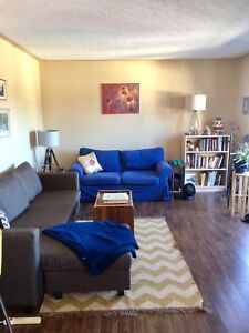 Room available in bright, top floor 2 bedroom OCT 1