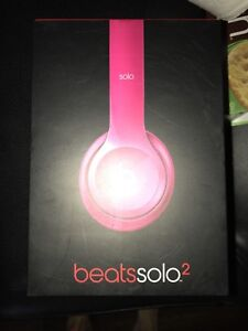 BARELY USED** Solo Beats 2