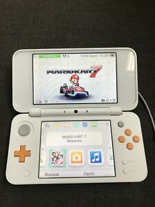 Nintendo 2DS XL with 2 games - Like New